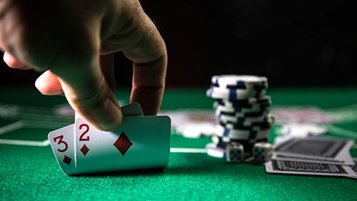 een Patti Makes a Lot of Money: Live or Online which preferable!